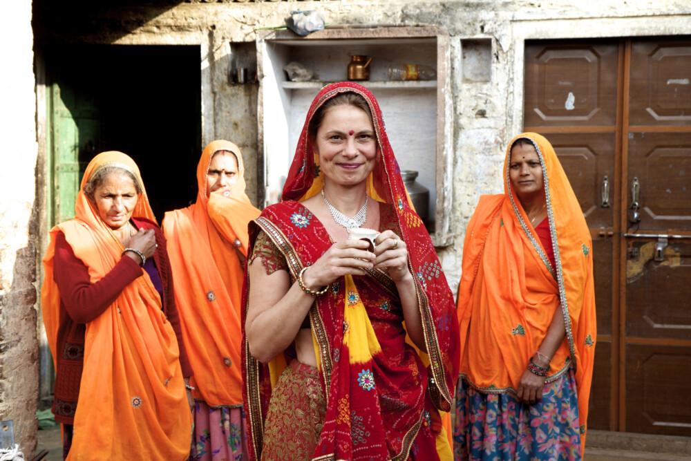 Sarah Wiener in Indien mit der Familie des Chili-Bauern